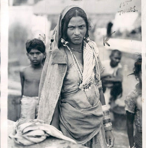 Dalit_or_Untouchable_Woman_of_Bombay_Mumbai_according_to_Indian_Caste_System_-_1942 corte