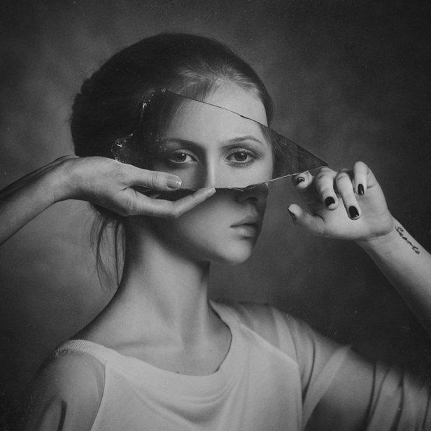 paul-apalkin-invasion-aka-broken-mirror-2012